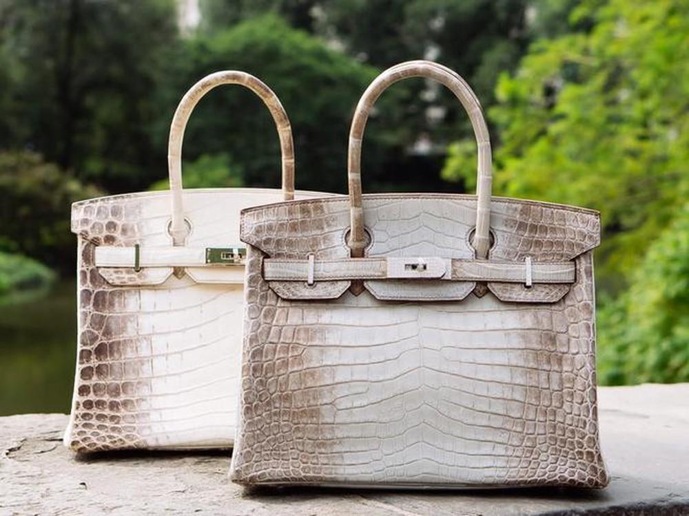 Đặt túi xách ở nơi sạch sẽ, khô thoáng và thường xuyên lau chùi, vệ sinh
